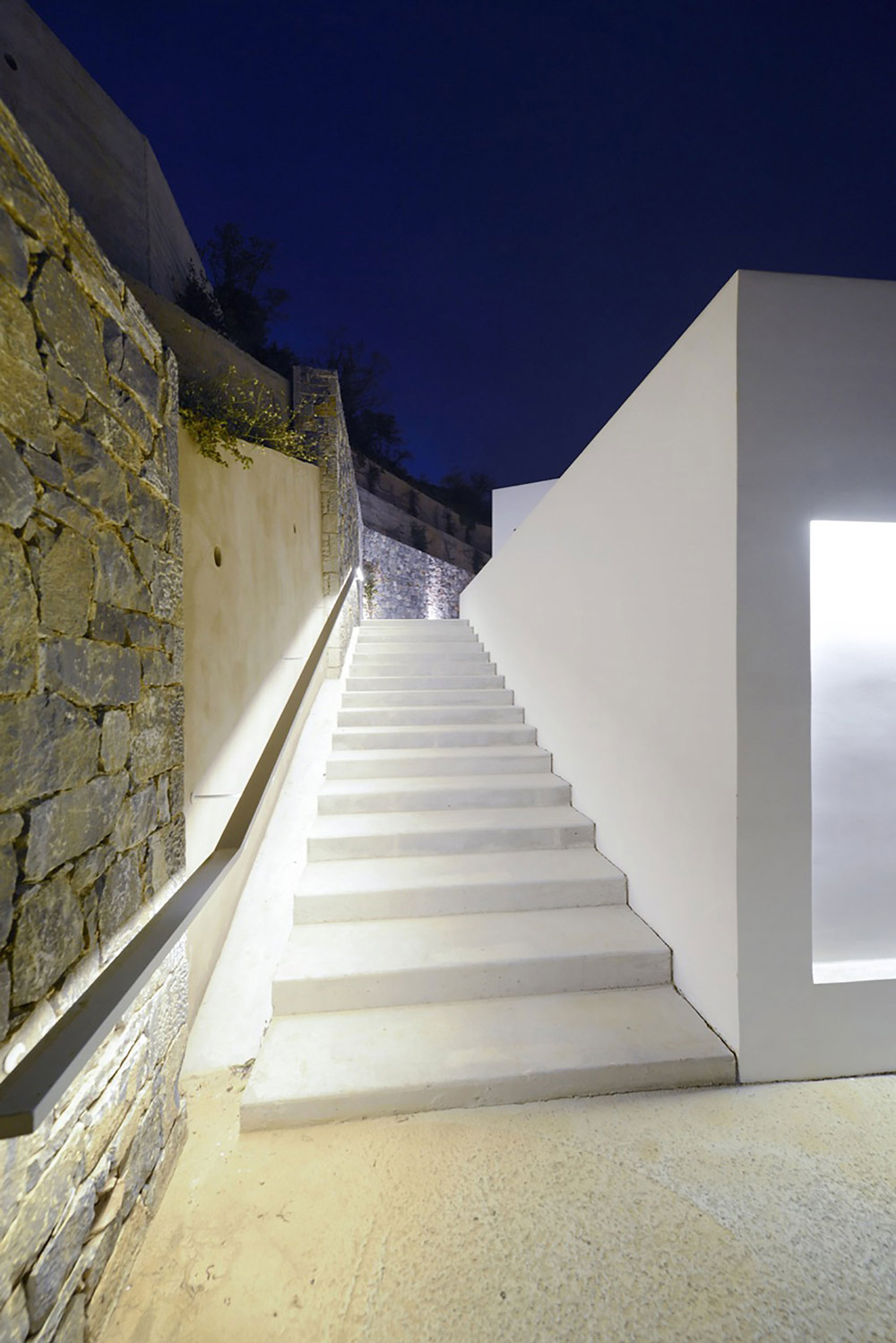 Outdoor stairs, lighting