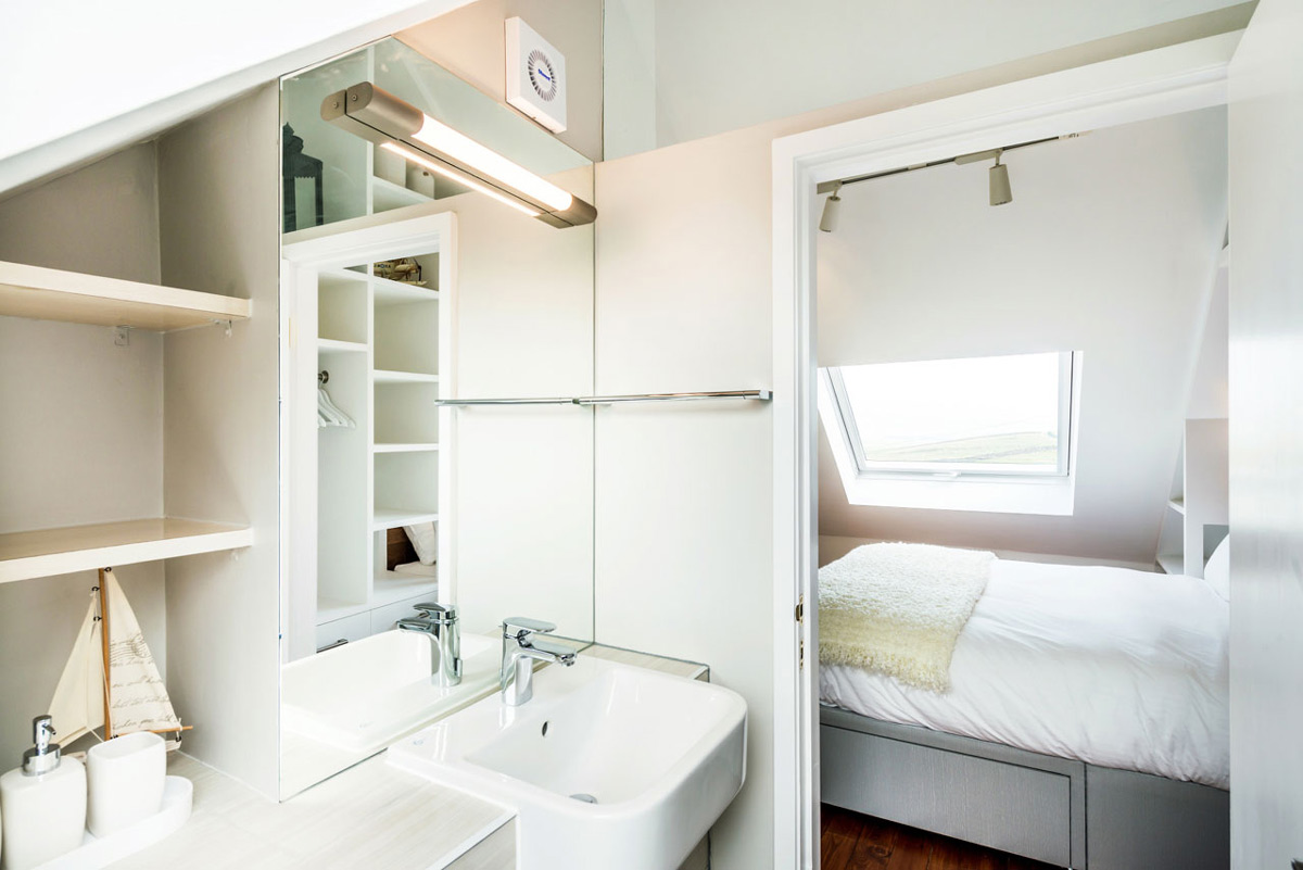 On-suite bathroom, sloping ceiling