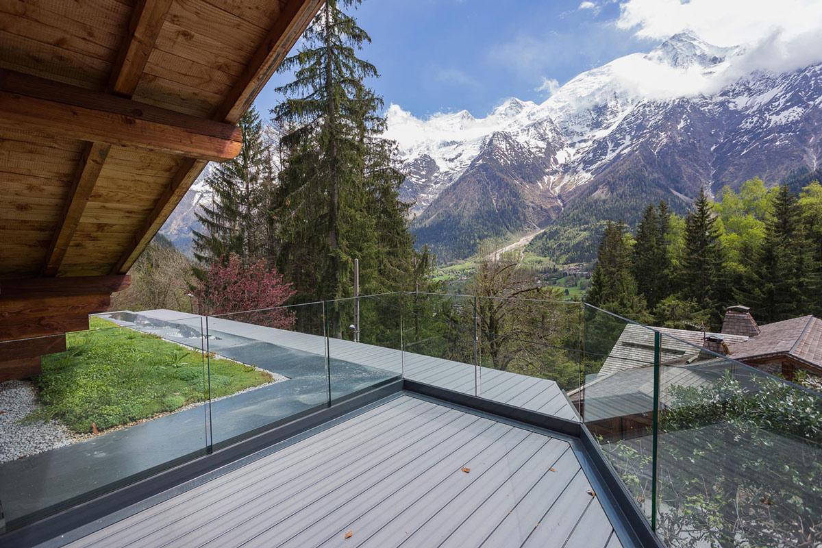 Balcony, glass balustrading