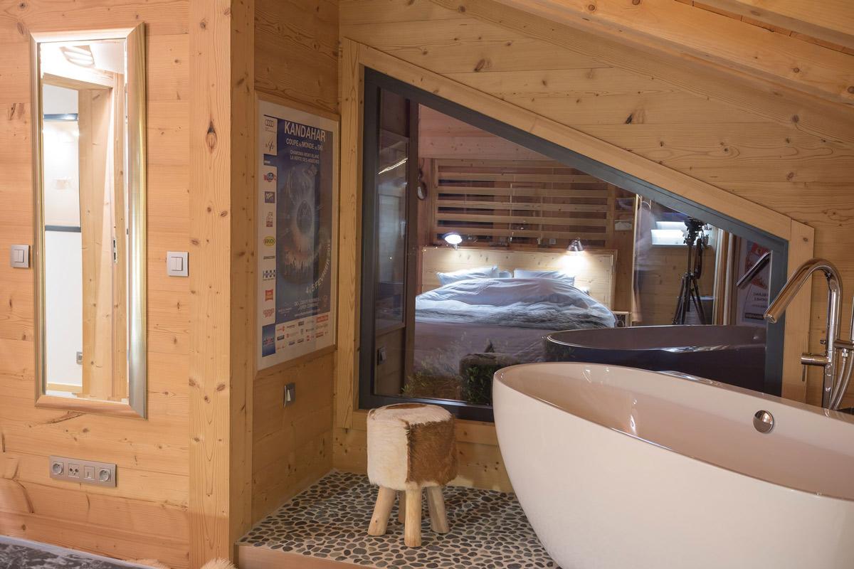 Wooden bedroom & bathroom