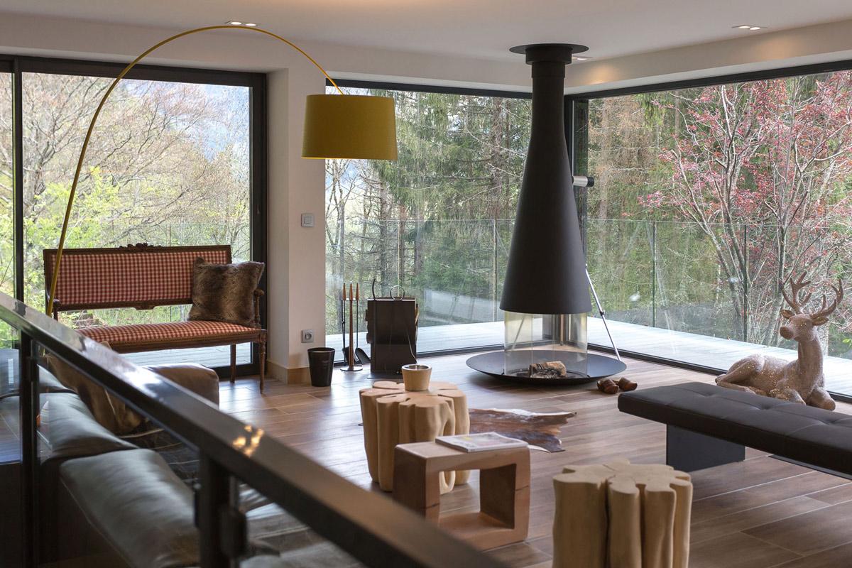 Modern fireplace living room