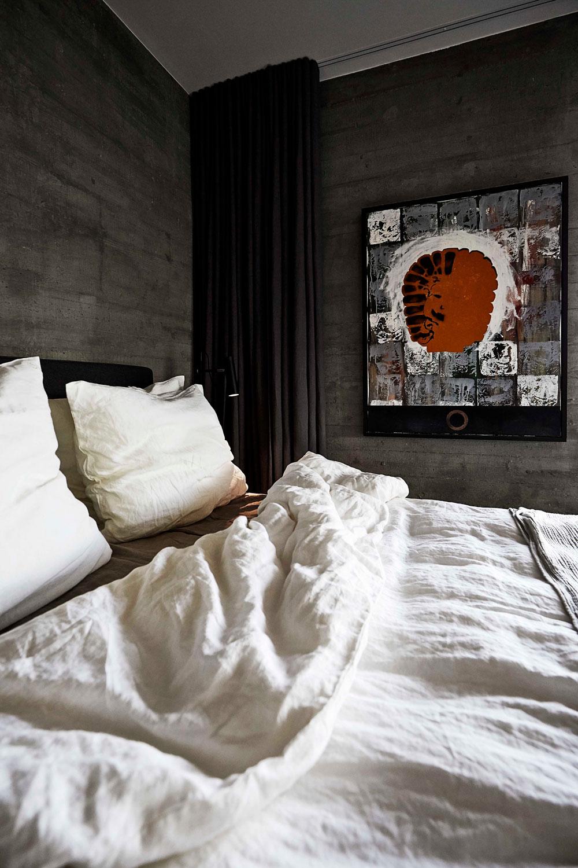 Art, grey bedroom