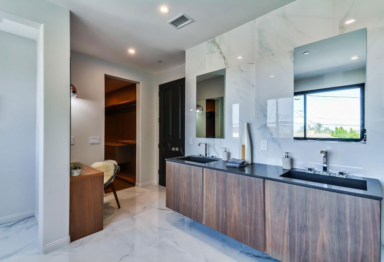 Master bathroom, his & hers sinks