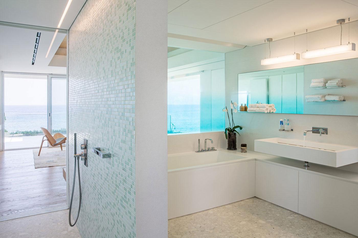Wet room, shower & bath
