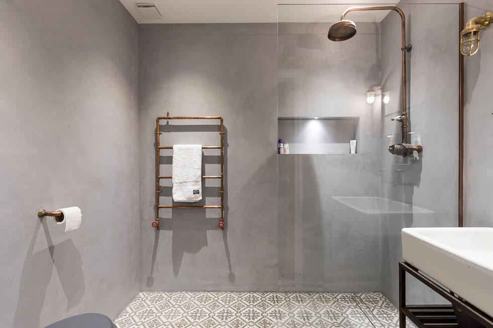 Wet room, walk-in-shower